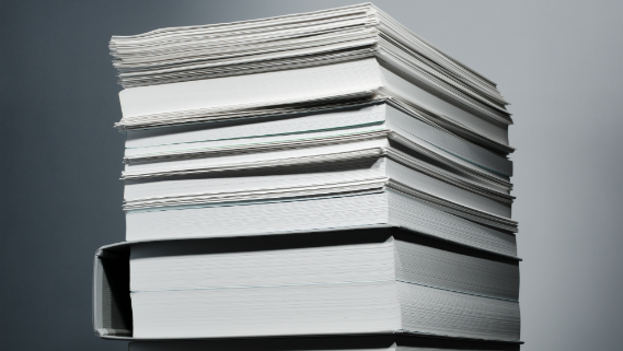 山積みの書類